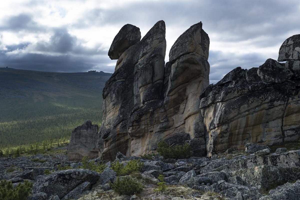 Le rocce della montagna Kisilyakh, nella parte orientale del distretto Verkhoyansk in Yakutia\n