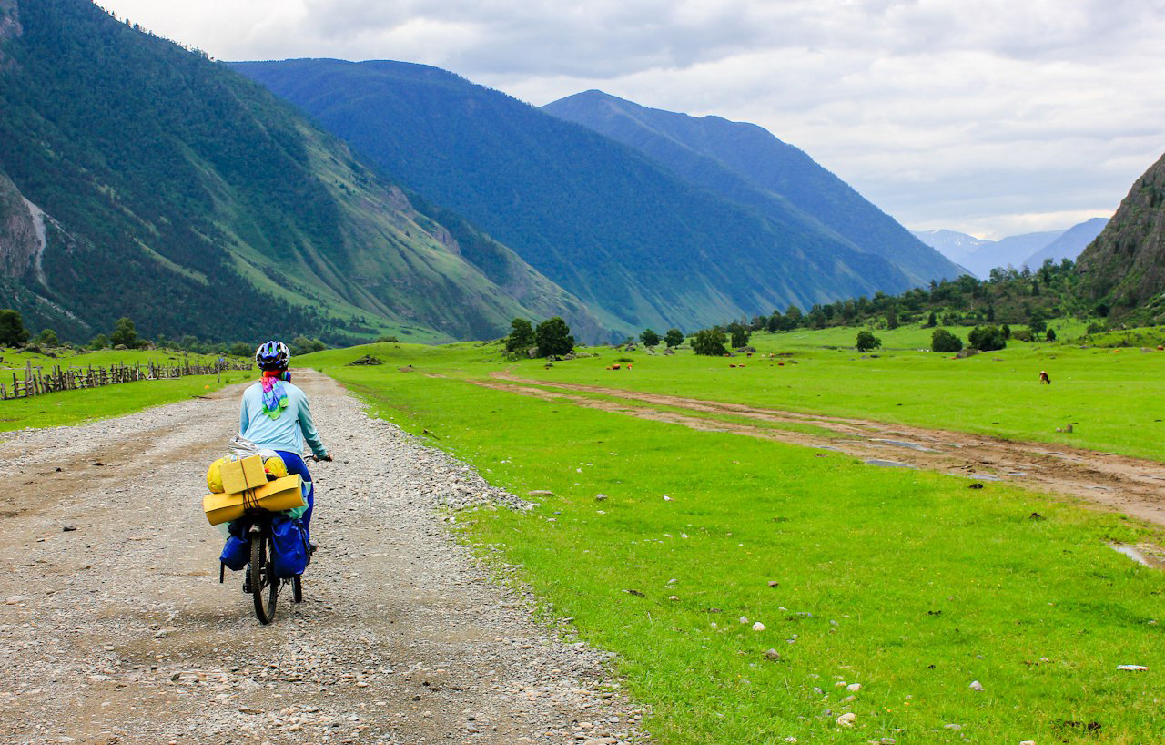Altai's principal advantage in terms of bike trekking is its wide variety of routes