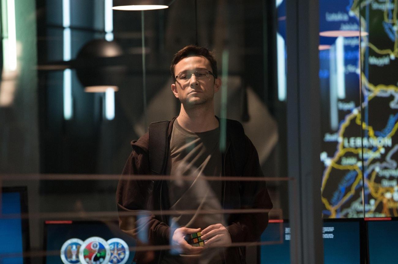 Joseph Gordon-Levitt dans le rôle d'Edward Snowden.