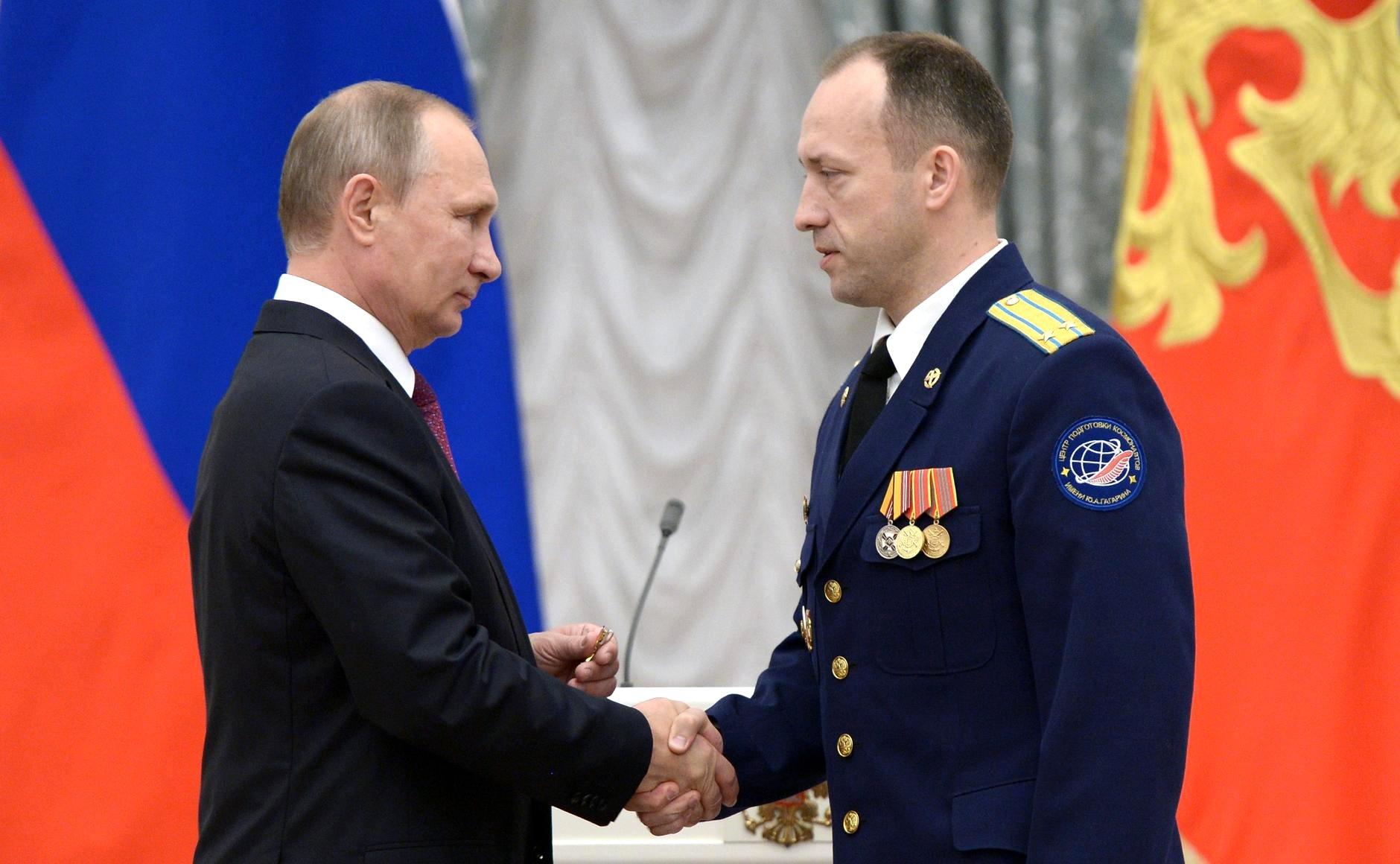 Vladimir Putin has awarded cosmonaut Alexander Misurkin.