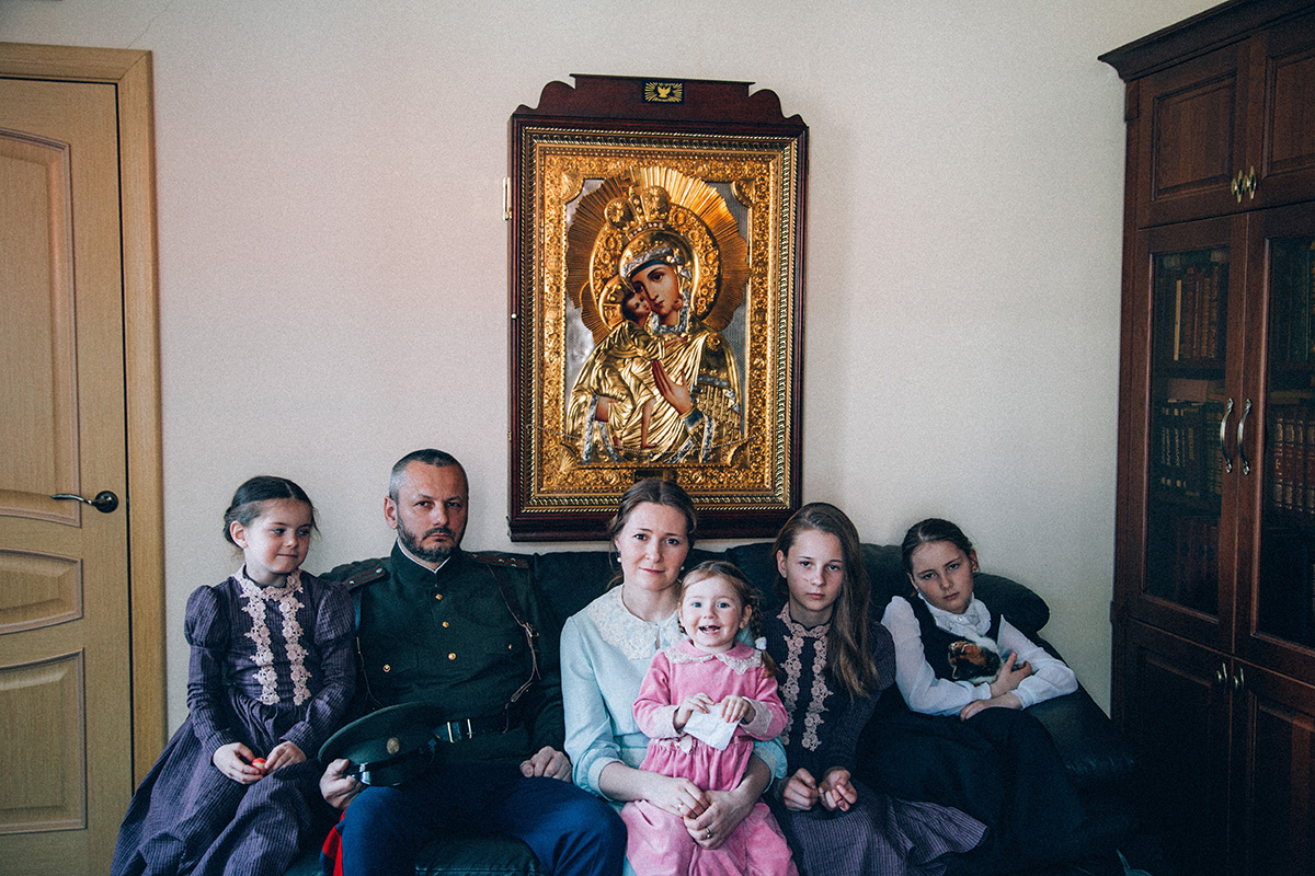 The couple has 4 daughters, who attend a special theology school. One of the daughters, Frosya, is 10 years old and already knows what each color in icon painting signifies.