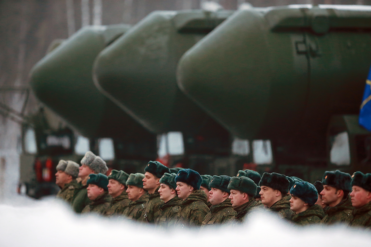 RS-24 Yars mobile intercontinental ballistic missile systems of the Teikovo missile division, Ivanovo Region, February 2016.