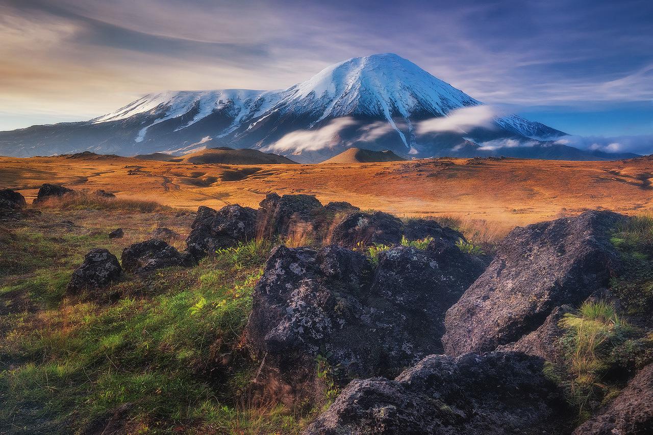 Kamtchatka tem duas grandes atrações e ambas são potencialmente perigosas.