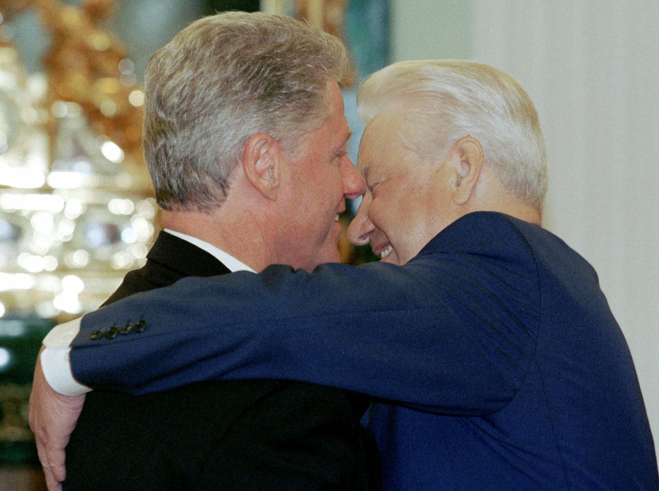 ビル・クリントンとボリス・エリツィン=ロイター通信