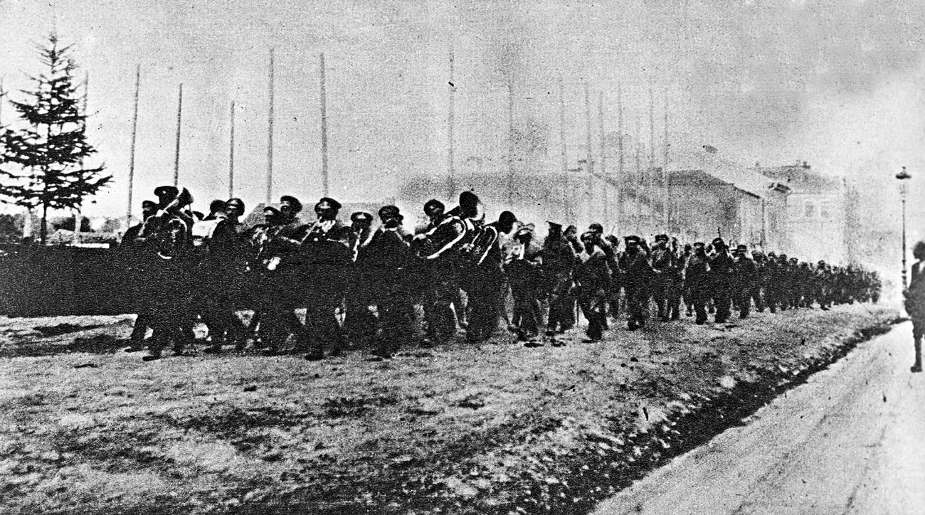 Руска војска у Коломни. Брусиловљева офанзива, мај - јул 1916. године. Илустрација: Јуриј Каплун/РИА Новости