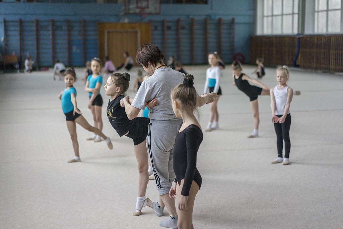Die meisten russischen Mädchen werden irgendwann vor die Wahl gestellt: Entweder Ballett oder rhythmische Gymnastik.