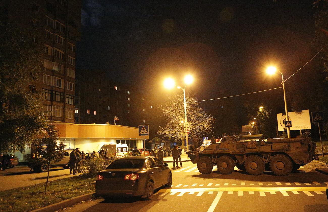 Tanque próximo ao edifício onde ocorreu atentado Foto: Mikhail Sokolov/TASS