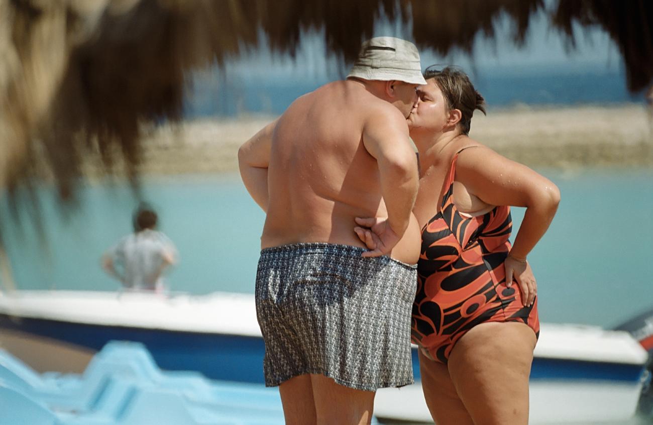 Excesso de peso é equivalente entre homens e mulheres, mas obesidade aflige mais sexo feminino.