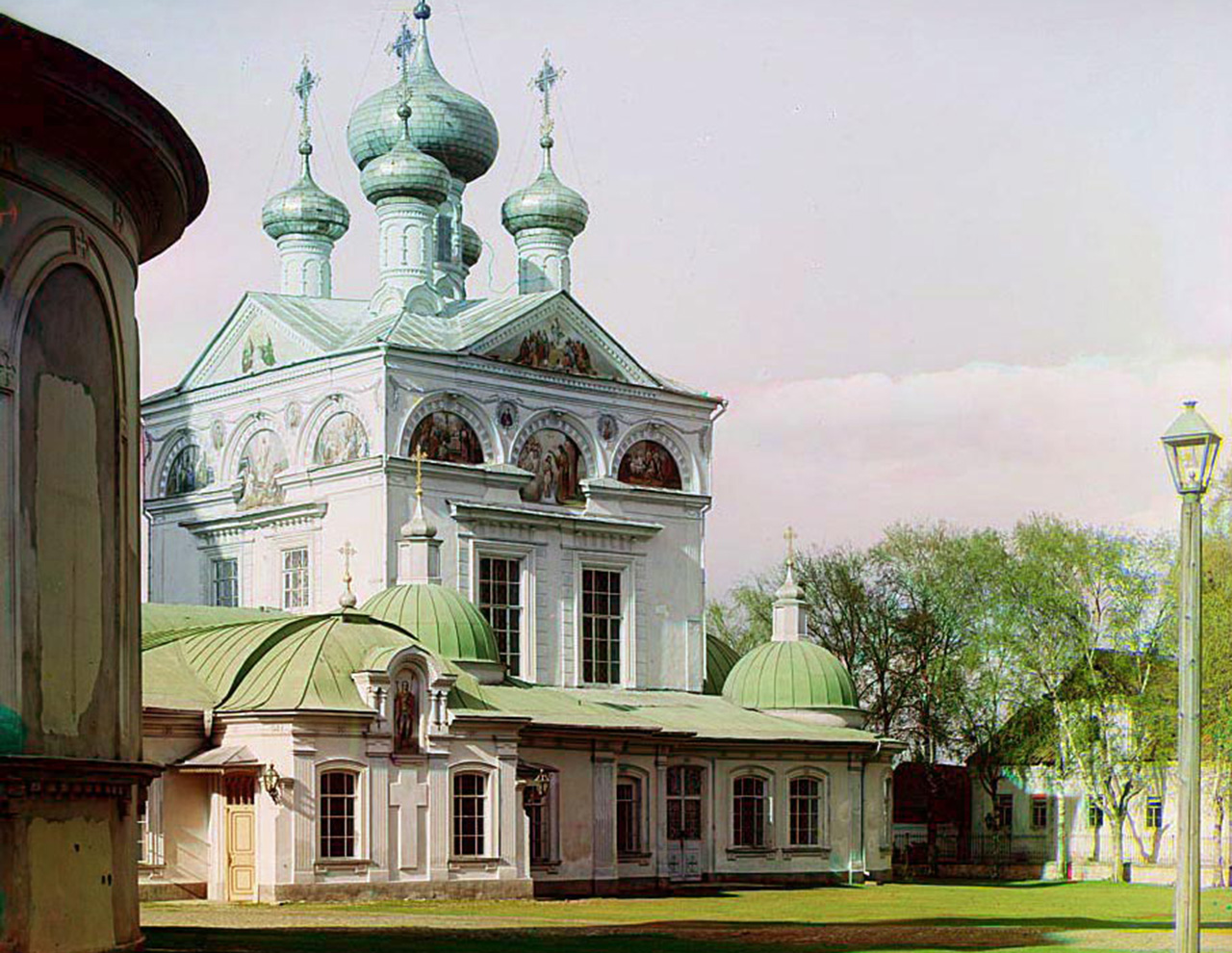 In the course of ten years, Sergey Prokudin-Gorsky was to make a collection of 10,000 photos. / Trinity Cathedral in Torzhok.