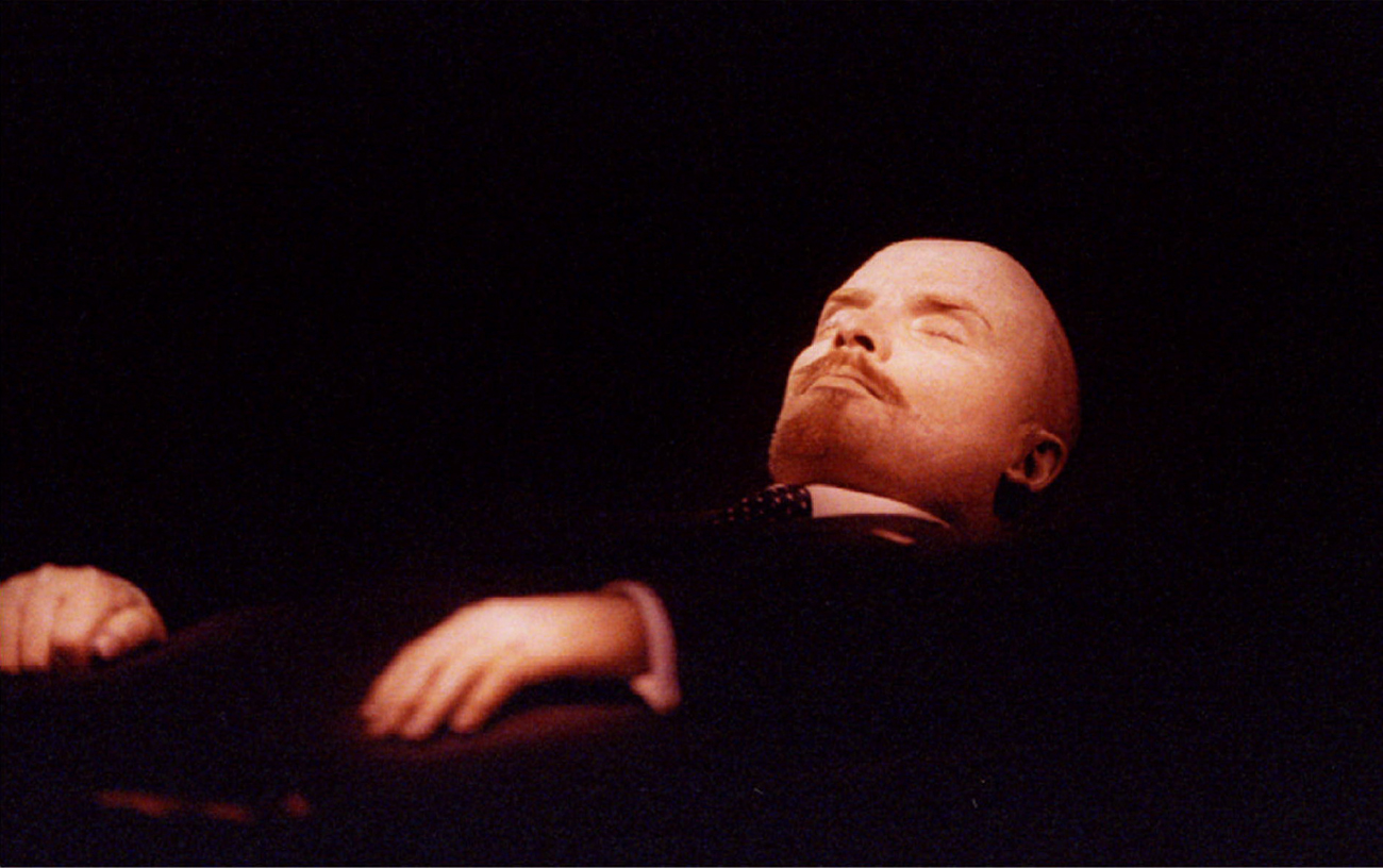 The body of Vladimir Lenin , the Soviet state founder lies in the Mausoleum of Lenin on Red Square.