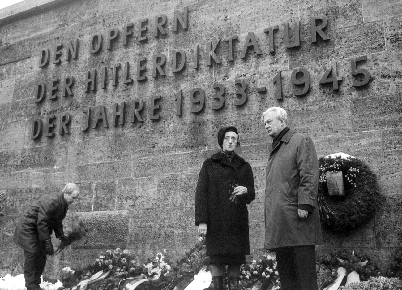 "Vice president of the ""Friedensrat"" (translates as ""Peace council"") of the GDR, Greta Kuckhoff, during a commemorative ceremony on the 22nd of December in 1967 in Berlin-Ploetzensee for the execution of the members of the ""Red Orchestra"" on the 22nd of December in 1942."