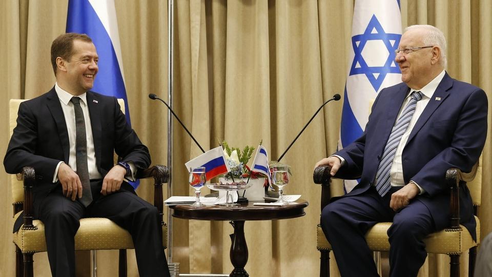Medvedev is holding talks with Netanyahu, Nov. 10.