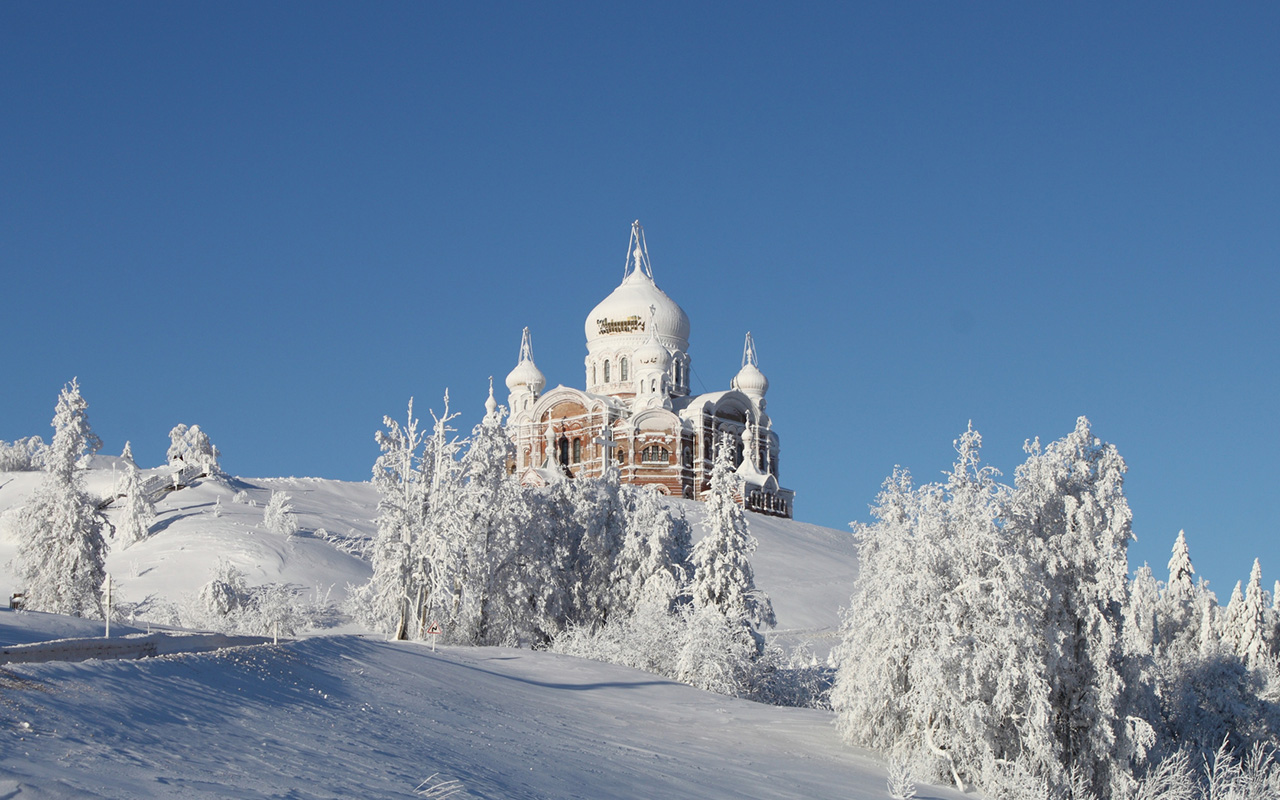 Belogorsky Monastery is located 85 km (53 miles) from the regional capital of Perm. Due to the unique climate, in winter the entire cathedral is covered with hoarfrost, resembling a fairy-tale castle made of sugary icing. The first wooden church was built at the site in 894.