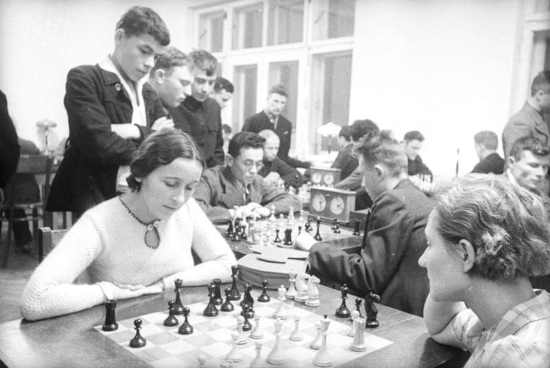 1937. A chess club evening at the House of Steelworkers in Magnitogorsk, 1700km south-east of Moscow.