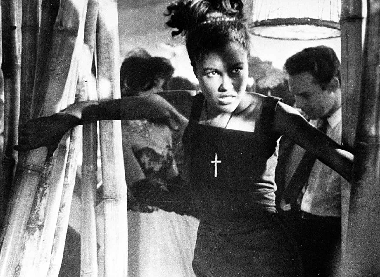 Reproduction of a scene from Mikhail Kalatozov's movie, based on Yevtushenko's prose-poem. Mosfilm and ICAIC (Cuba) Studios, 1964. / Source: RIA Novosti