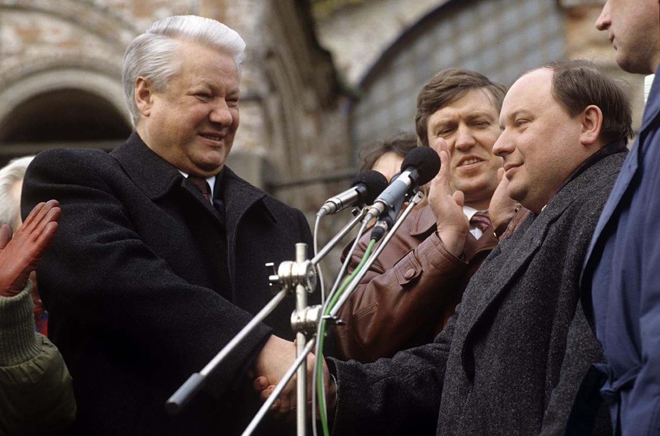 Борис Елцин и Егор Гайдар.