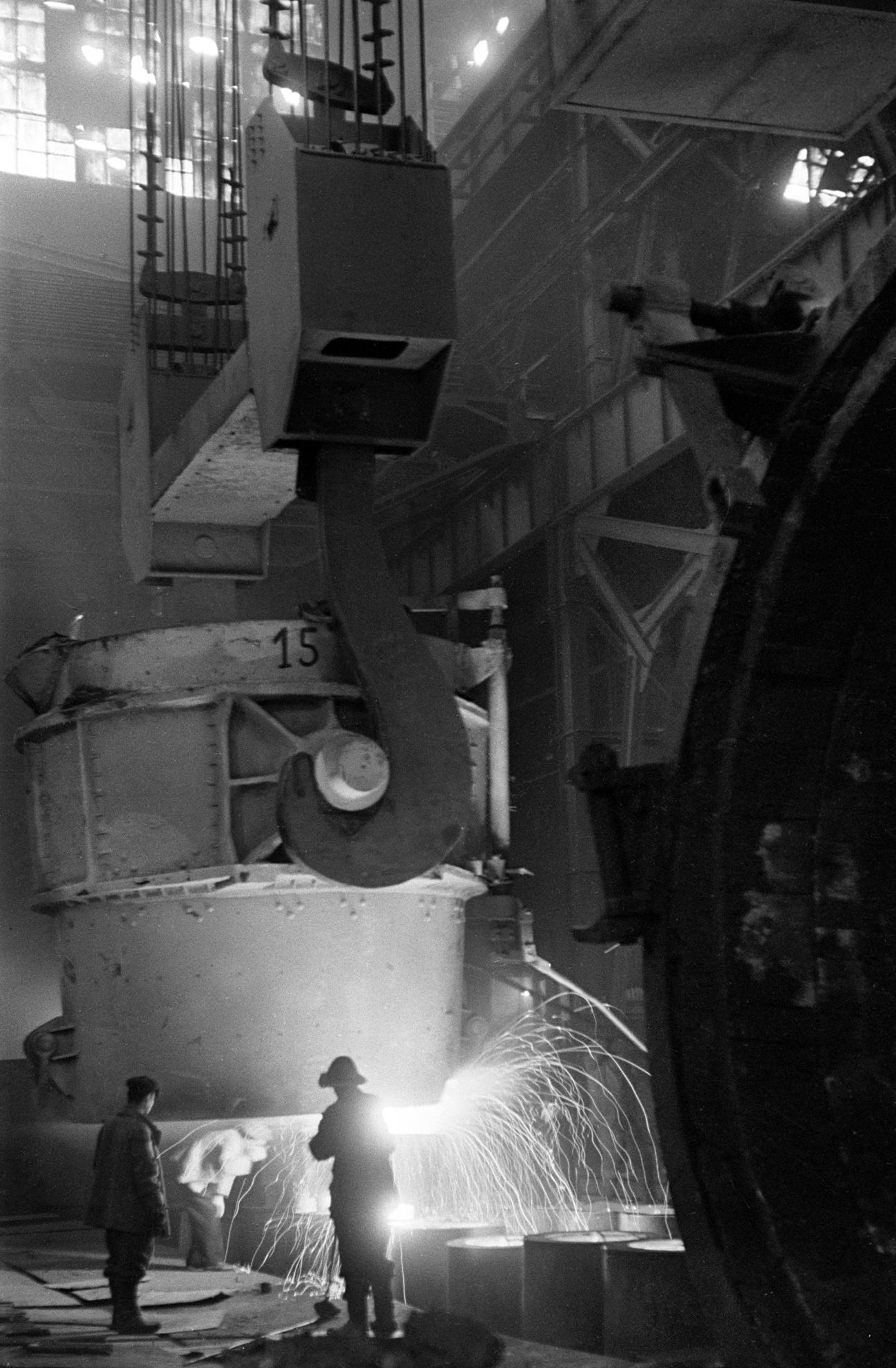 Lo stabilimento di Uralmashzavod a Sverdlovsk (oggi Ekaterinburg), 1944. Fonte: Anatolij Garanin/RIA Novosti