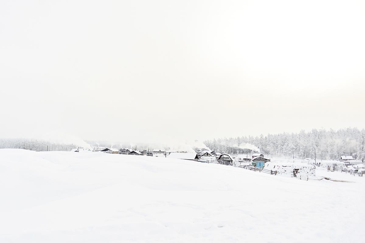 « Cette série de photos a été prise après quatre ans loin de l'hiver Yakoute. Je suis revenue dans mon pays en janvier et j'ai pris ces photos alors qu'il faisait -60° à l'extérieur ».