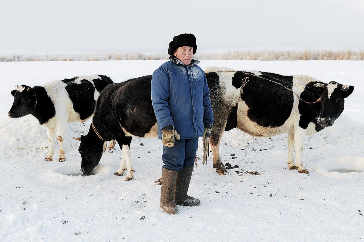 """""""Continuo a sorprendermi per l'impressionante bellezza di questo periodo dell'anno, per la forza e la tenacia della gente e degli animali che vivono qui. Più sento il freddo di Madre Natura, più percepisco il calore della gente che vive in questi luoghi"""""""