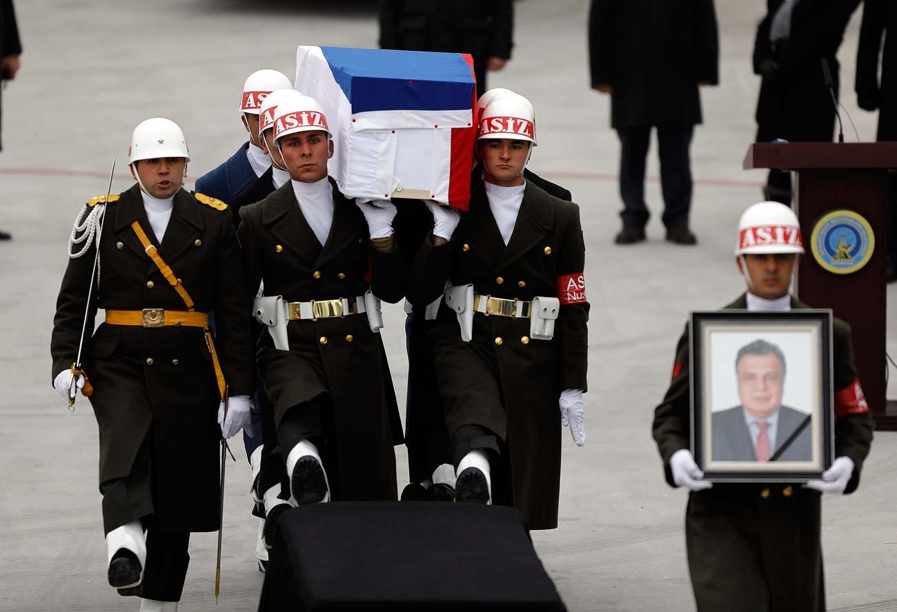 La cérémonie d'adieu l'ambassadeur Andreï Karlov avant le rapatriement de sa dépouille en Russie. Ankara, Turquie.