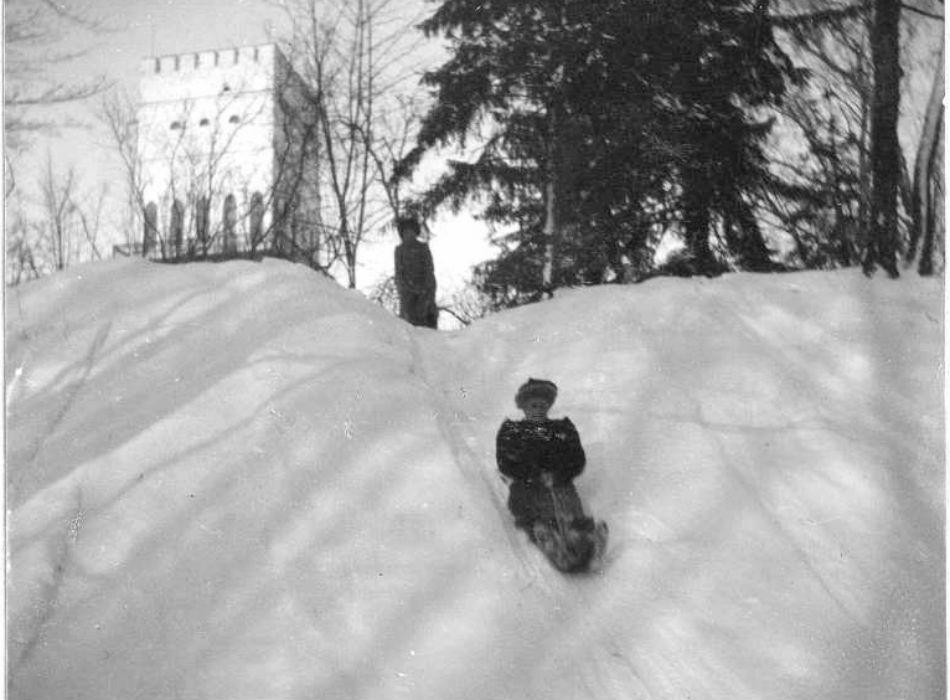 Romanov family members sledding around Bastion on the near the White Tower, the western side of Alexandrovsky Palace. The park is near the town of Pushkin, 680 kilometers from Moscow, 25 kilometers from St. Petersburg. It is also known as Tsarskoye Selo.