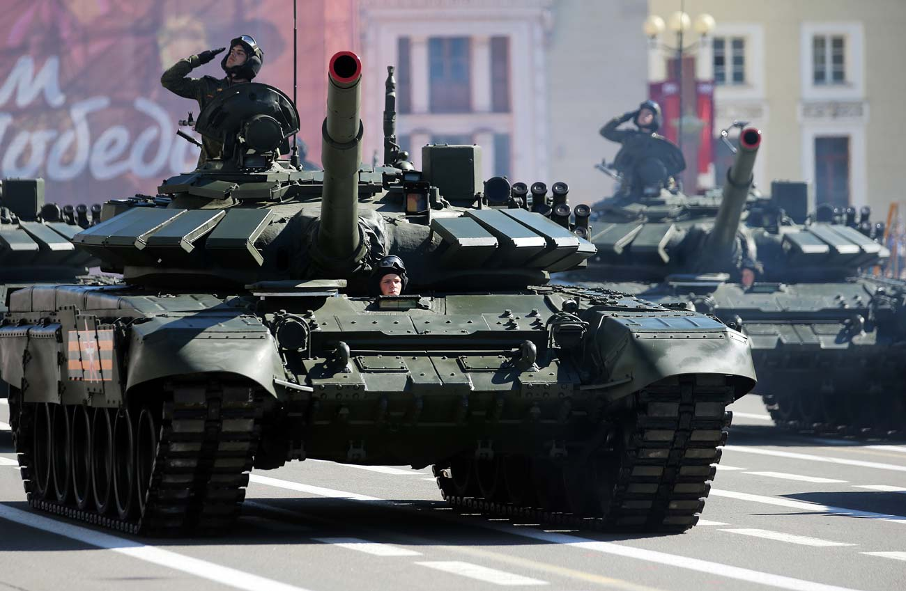 T-72B3 tanks drive on Dvortsovaya Square in St. Petersburg during the final practice of the military parade marking the 71st anniversary of the victory in the Great Patriotic War.