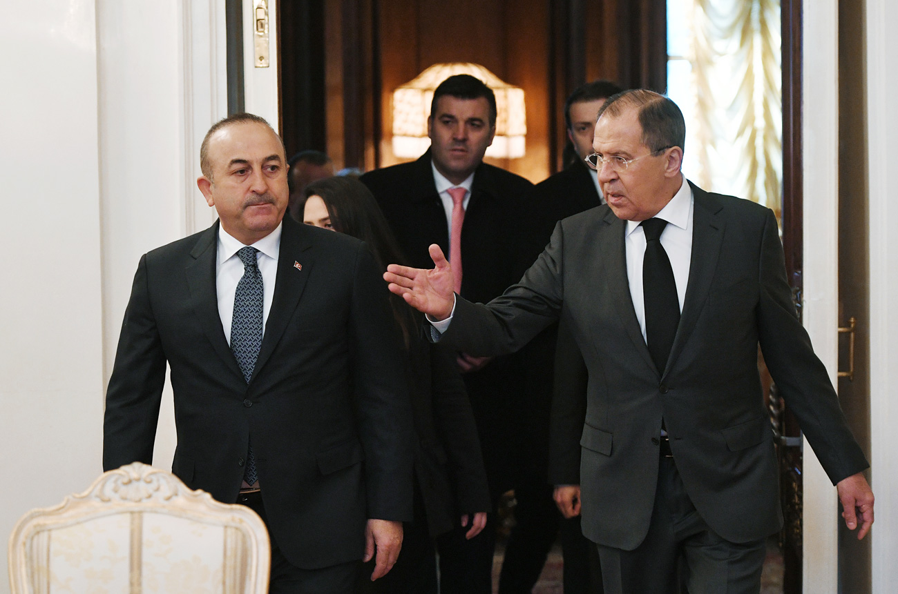 Sergeh Lavrov i Mevlut Cavusoglu.
