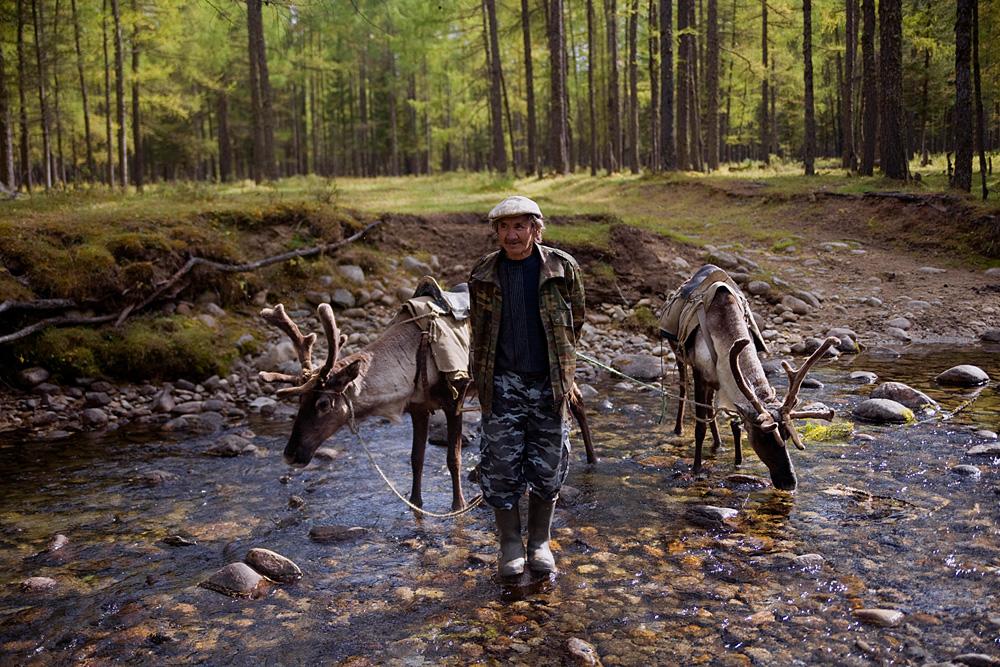 Dewasa ini sekitar sepuluh persen penduduk Siberia terdiri dari orang-orang pribumi.