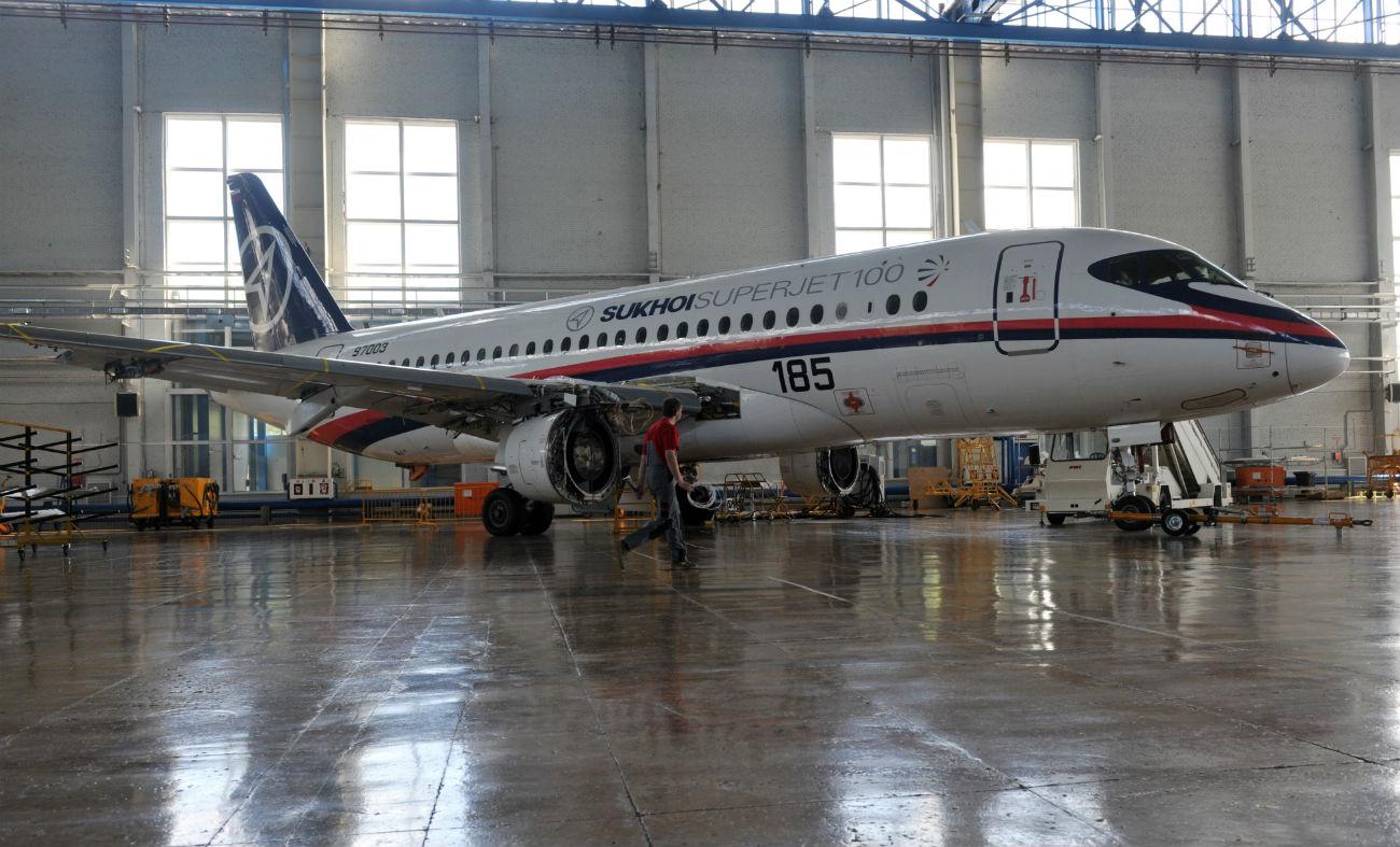 14 dari 87 unit pesawat penumpang sipil Rusia SSJ100 ditarik dari layanan karena mengalami cacat produksi.