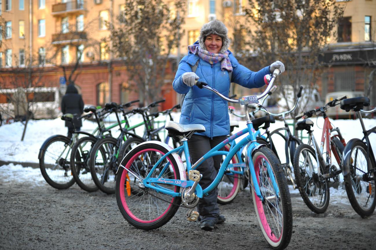 Parata di biciclette sotto zeroa Mosca: centinaia di persone si sono date appuntamento per sensibilizzareall'uso delle due ruote\n