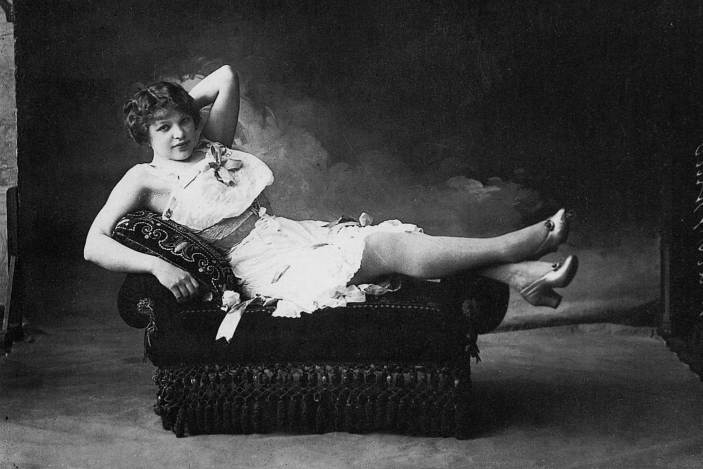 Cabaret singer Maslennikova