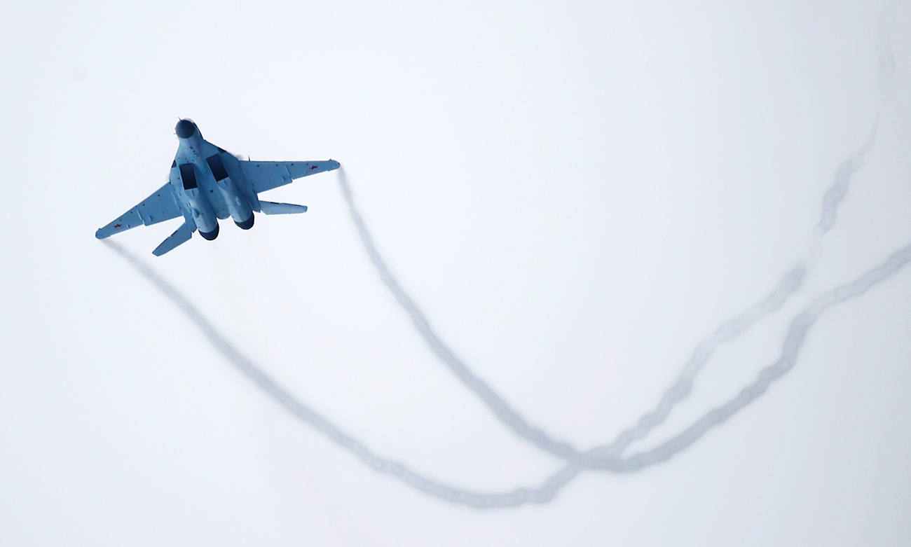 A new multi-role Russian MiG-35 fighter flies during its international presentation at the MiG plant in Lukhovitsy outside Moscow. Source: Reuters
