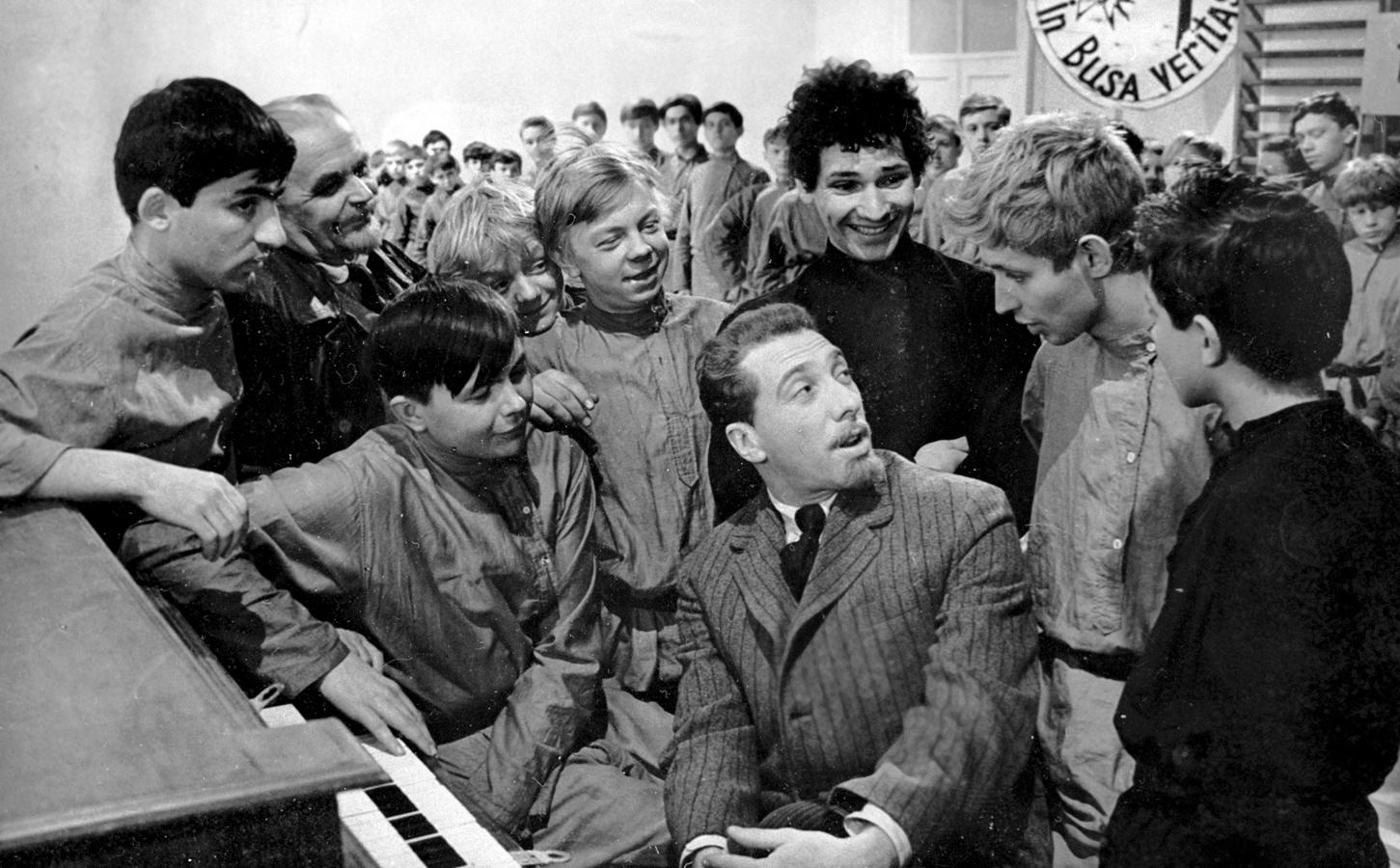 République CHKID. L'idée de rééduquer les adolescents difficiles était populaire en URSS.