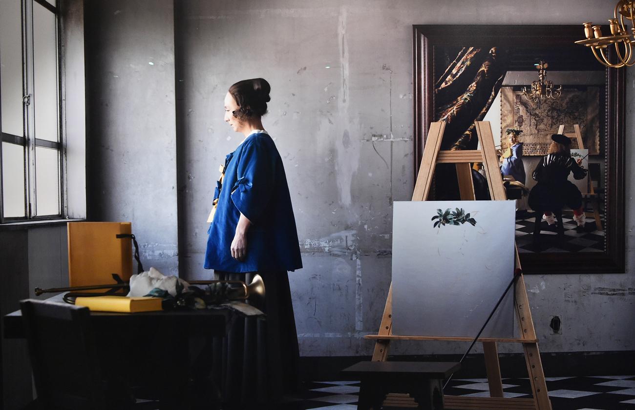 もう一つの森村展「Hermitage 1941~2014」では、第二次世界大戦中に作品が疎開し額縁だけが残されたエルミタージュ美術館をテーマに、肉眼では見えない現在と過去の交錯を表現した。