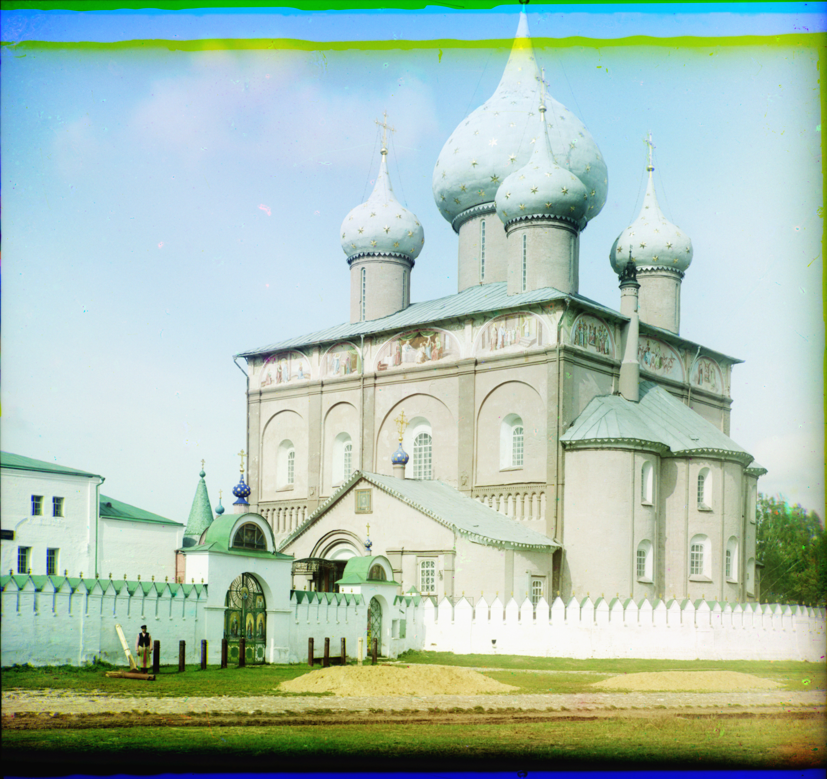 Suzdal. Cathedral of Nativity of Mother of God, southeast view, summer 1912. / Photo: Sergei Prokudin-Gorsky