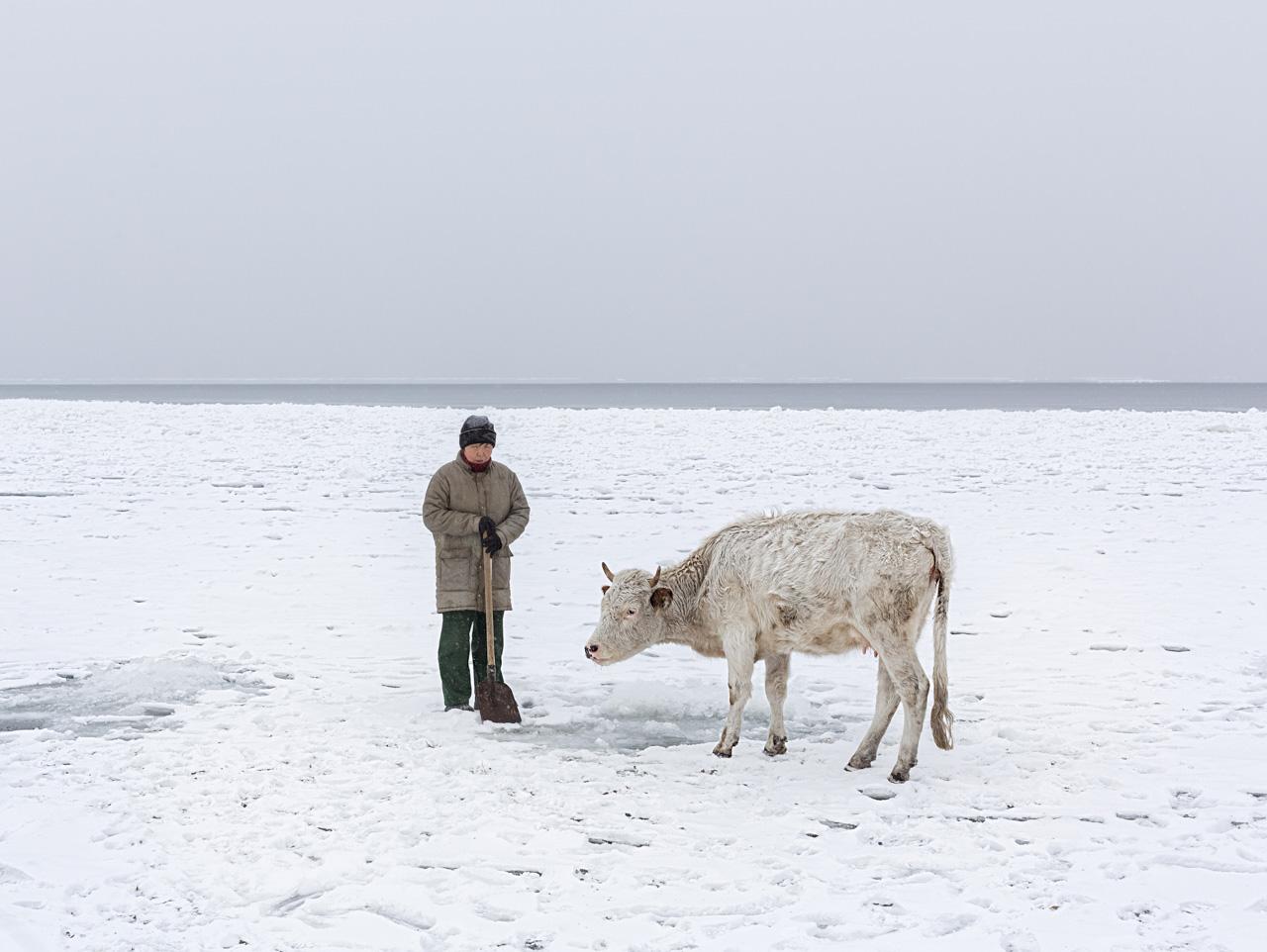 """L'isola di Olkhon si trova nella parte centrale del lago, vicino alla costa nord-occidentale, e forma uno stretto che si chiama Maloe More, """"piccolo mare"""""""