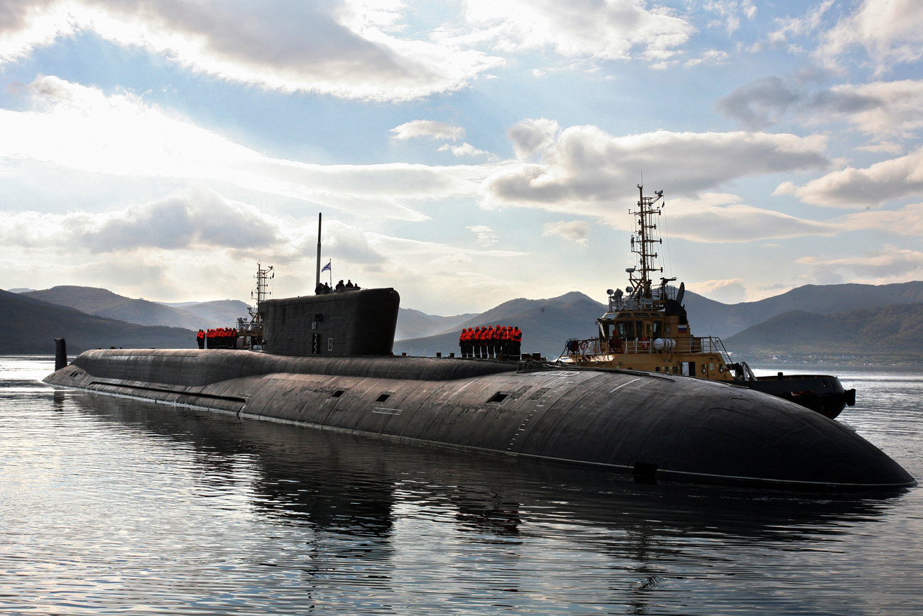The Russian Project 955 strategic nuclear submarine Vladimir Monomakh arrives at its permanent base in Vilyuchinsk, Kamchatka.