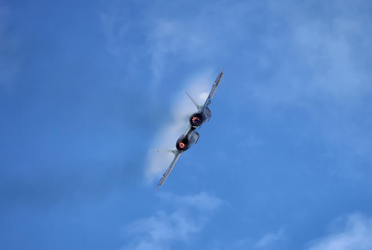 Jet tempur generasi kelima T-50 (PAK FA)