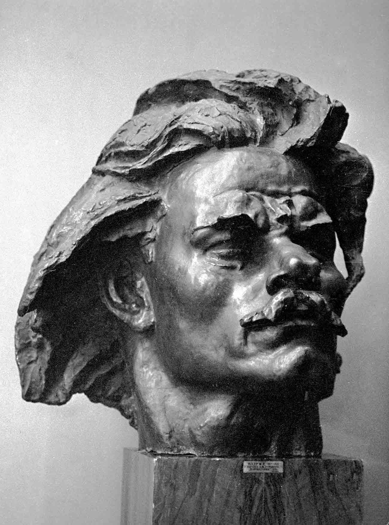 A sculptural portrait of Maxim Gorky by Ivan Shadr. Source: Mikhail Filimonov/RIA Novosti