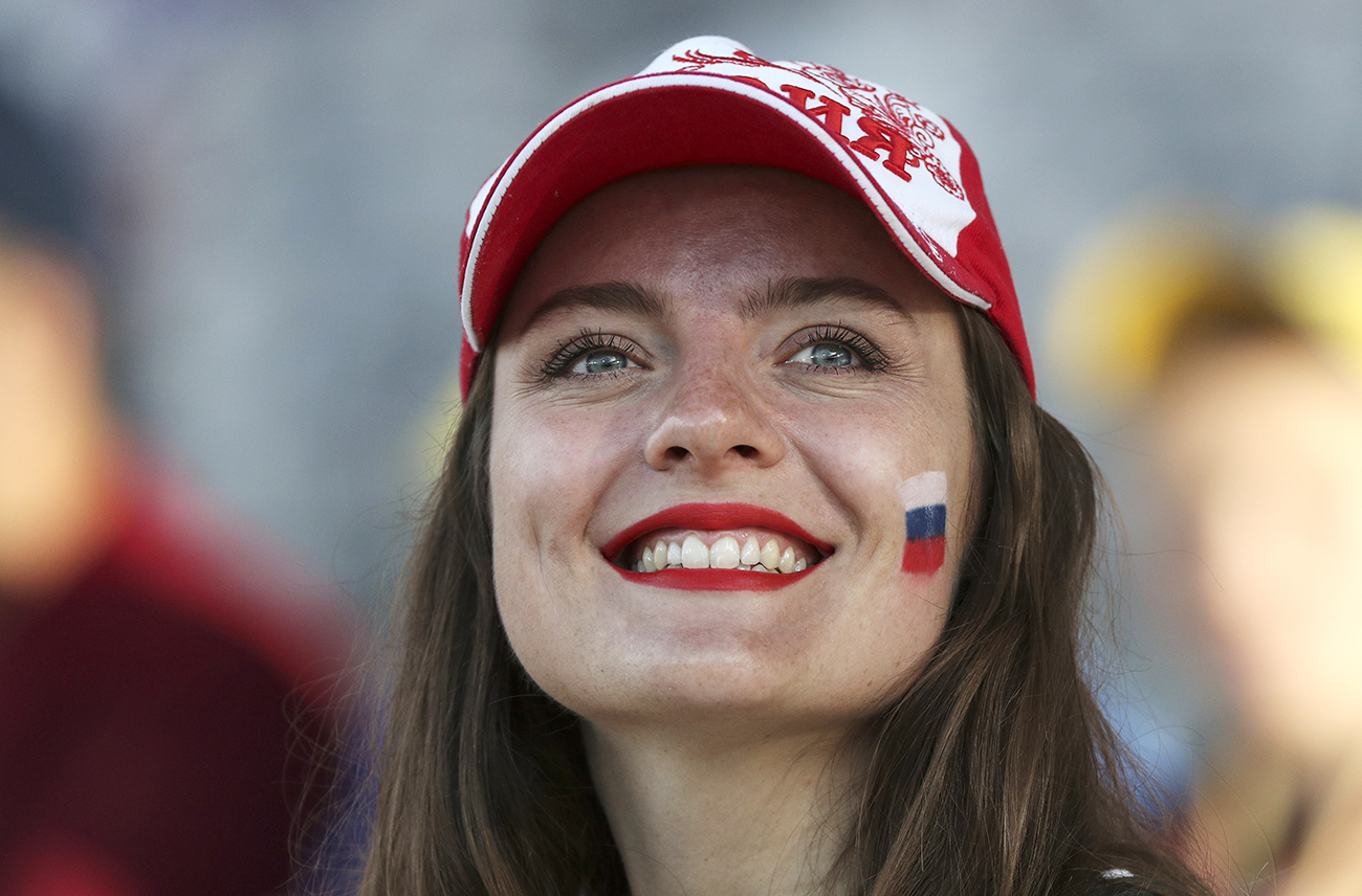 Russia has an advantage over many other countries in terms of personal happiness despite an average annual salary being slightly more than $10,000.