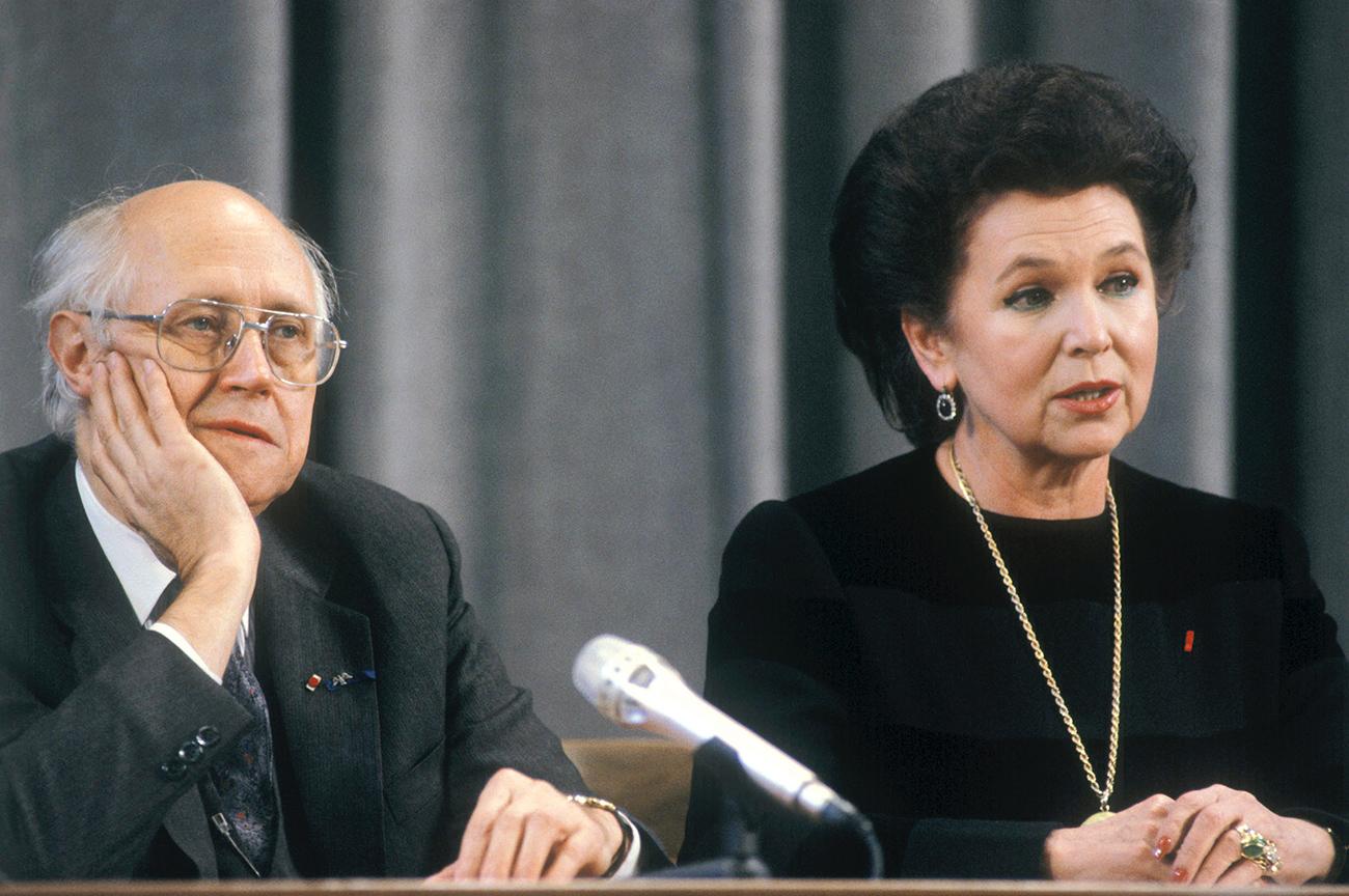 Mstislav Rostropovich and Galina Vishnevskaya addressing a news conference at the U.S.S.R. Foreign Ministry press center, 1990. / Photo: Vladimir Vyatkin/RIA Novosti