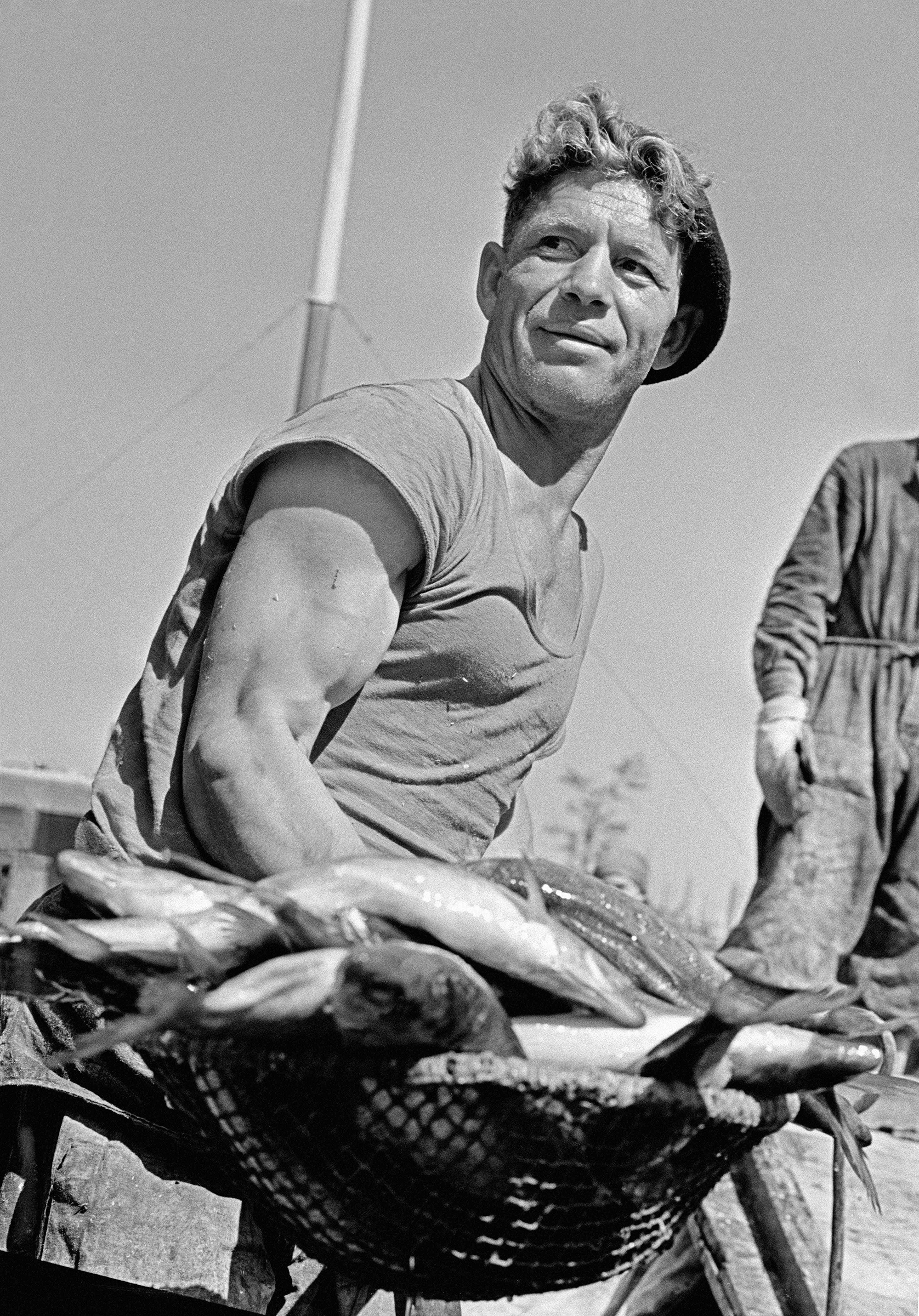 Besides taking pictures of world's leaders, Abramochkin has always considered it extremely important to capture images of the lives of ordinary people. He was one of the first photojournalists to bring spontaneous scenes to reportage photography. // Fishermen, Astrakhan, 1965