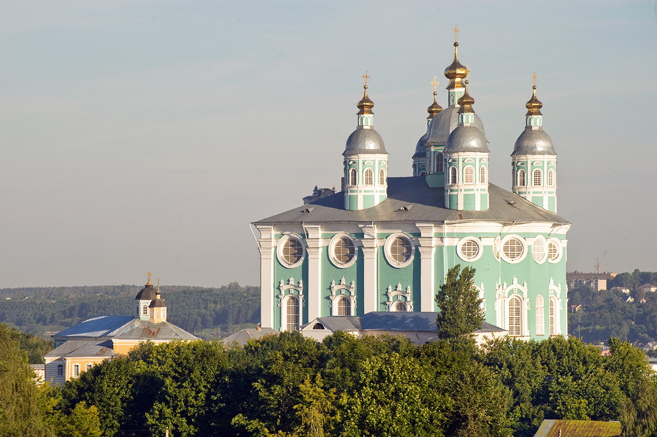 Dormition Cathedral, southeast view from fortress east wall. July 1, 2014. / Photo: William Brumfield