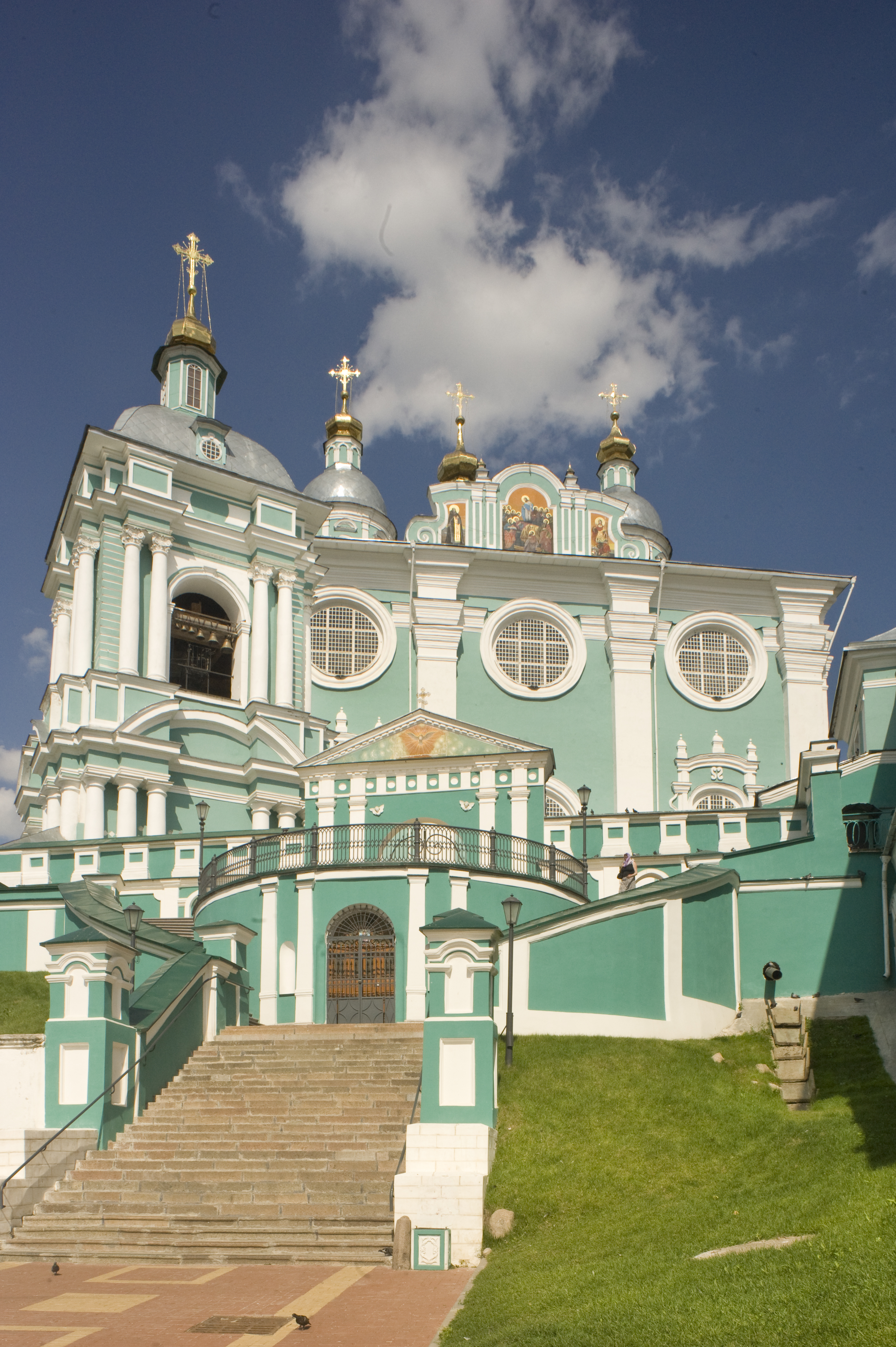 Dormition Cathedral, west view with bell tower. July 1, 2014. / Photo: William Brumfield