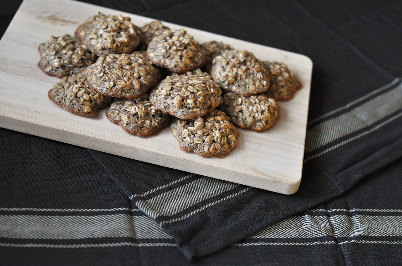 Russian oatmeal cookies are a super healthy snack in war and peace.