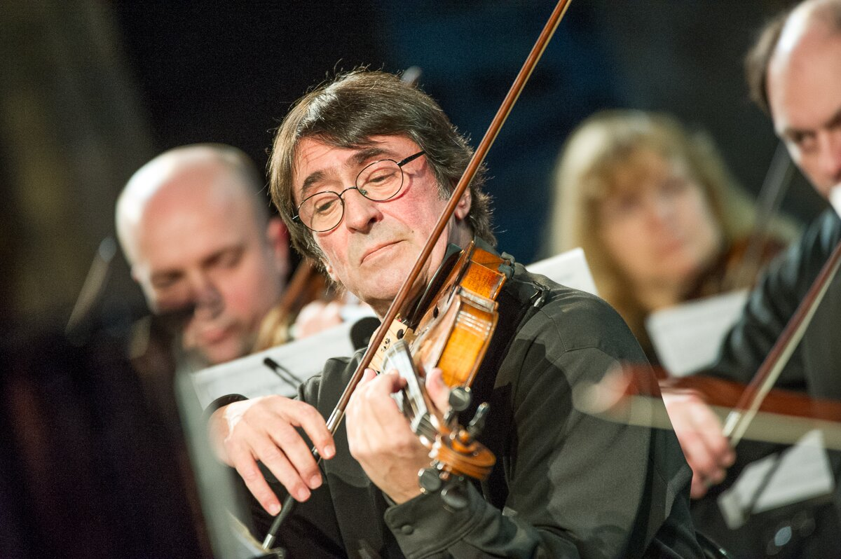 Yuri Bashmet plays viola at the the 10th Winter International Arts Festival in Sochi.