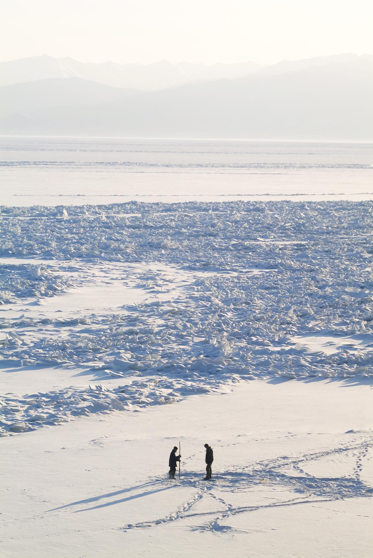 Pescatori tra i ghiacci. Fonte: Konstantin Kokoshkin/Global Look Press