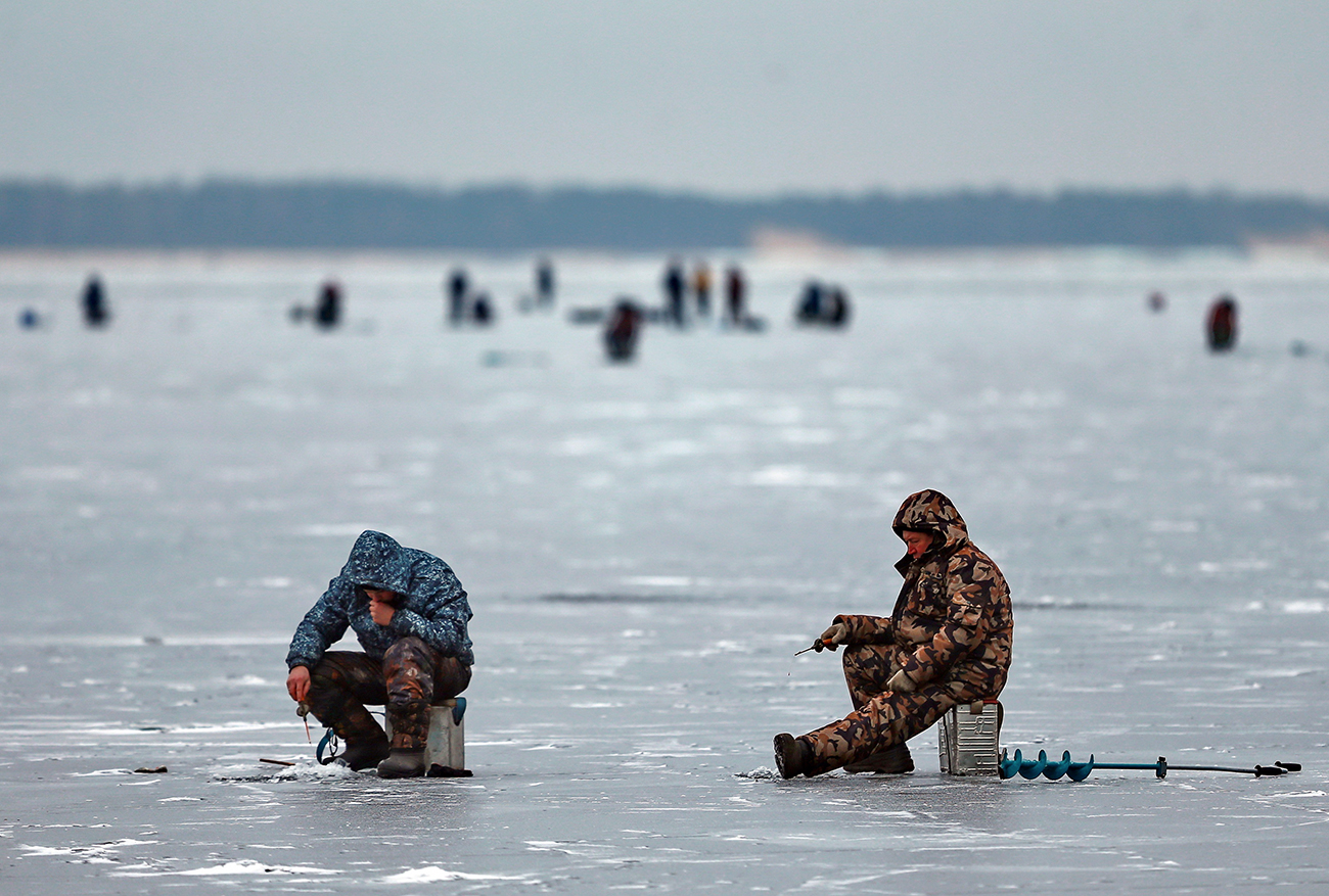 ice fishing in Russia