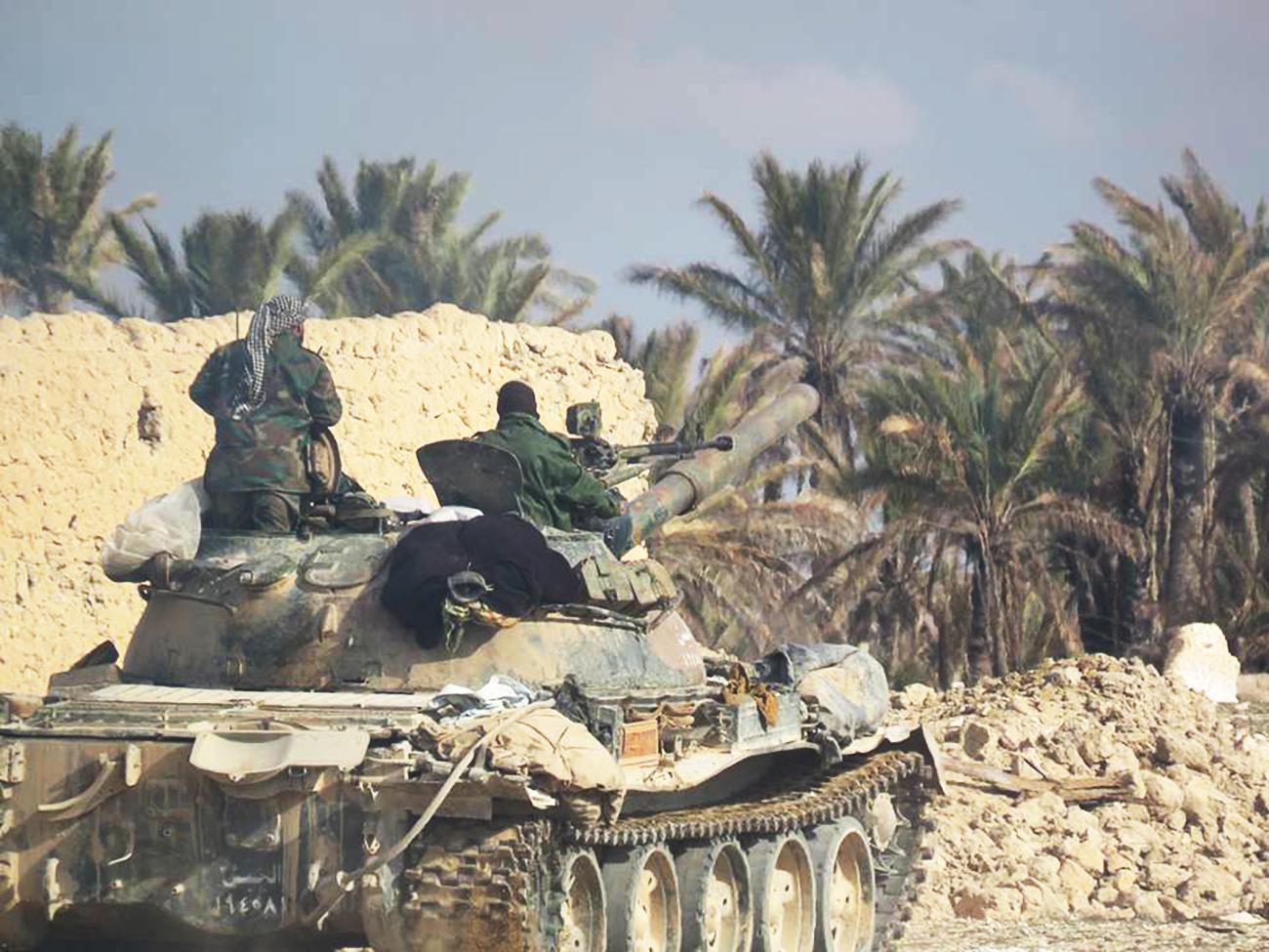 Pasukan pertahanan udara Suriah mengaku telah menembak jatuh dua dari empat pesawat tempur Israel yang melanggar wilayah udara negara tersebut.