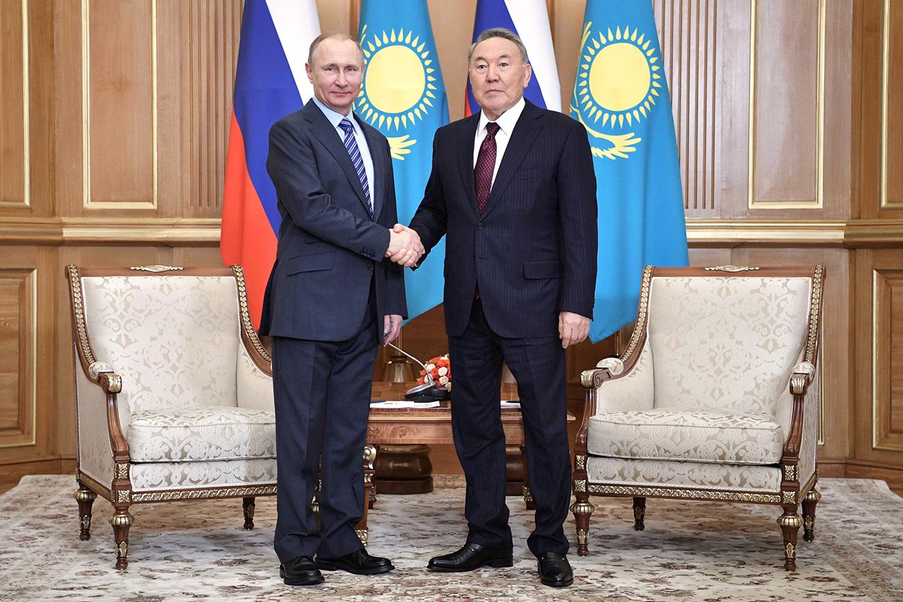 Russia's President Vladimir Putin shakes hands with Kazakh President Nursultan Nazarbayev in Almaty, Kazakhstan, Feb. 27, 2017. Source: Reuters